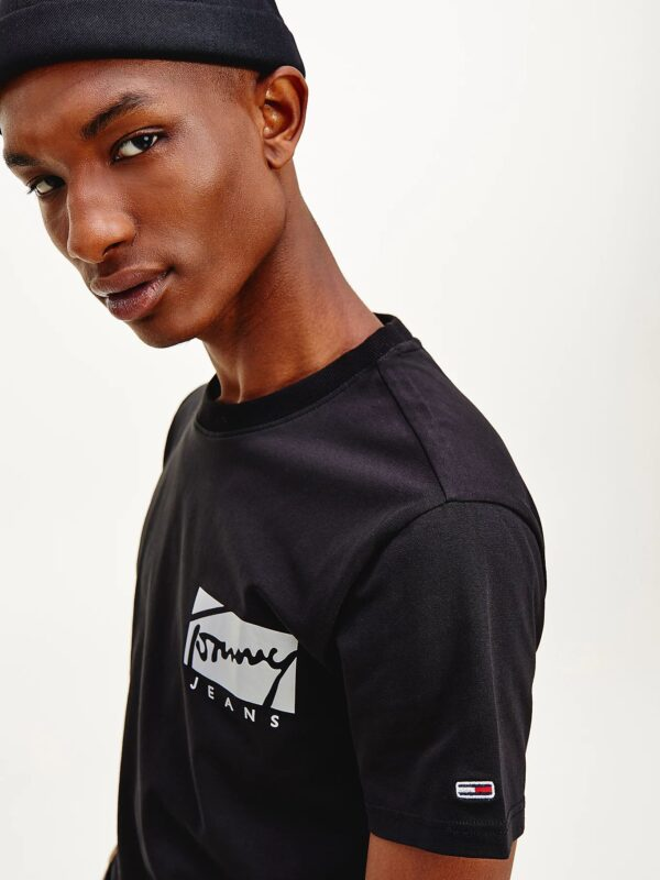 T-shirt Nera in Cotone Biologico con Logo Tommy Jeans